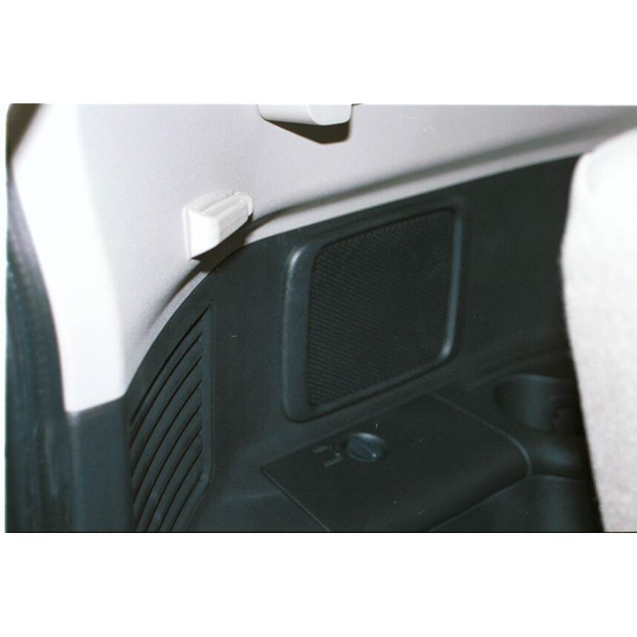 2001 Mitsubishi Montero Far-rear side speaker location