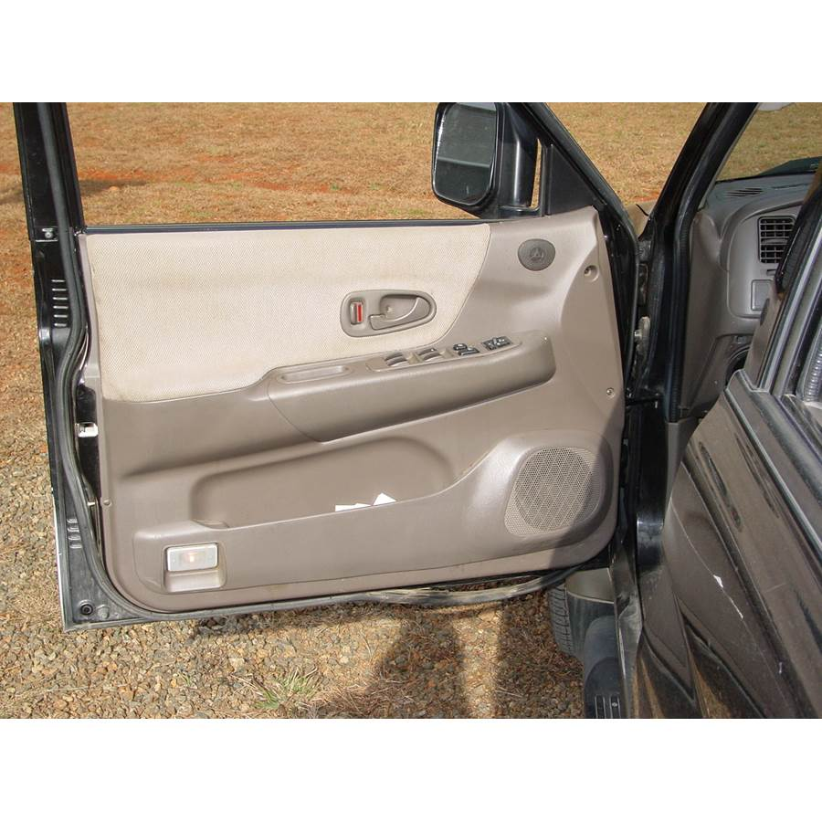 2001 Mitsubishi Montero Sport Front door speaker location