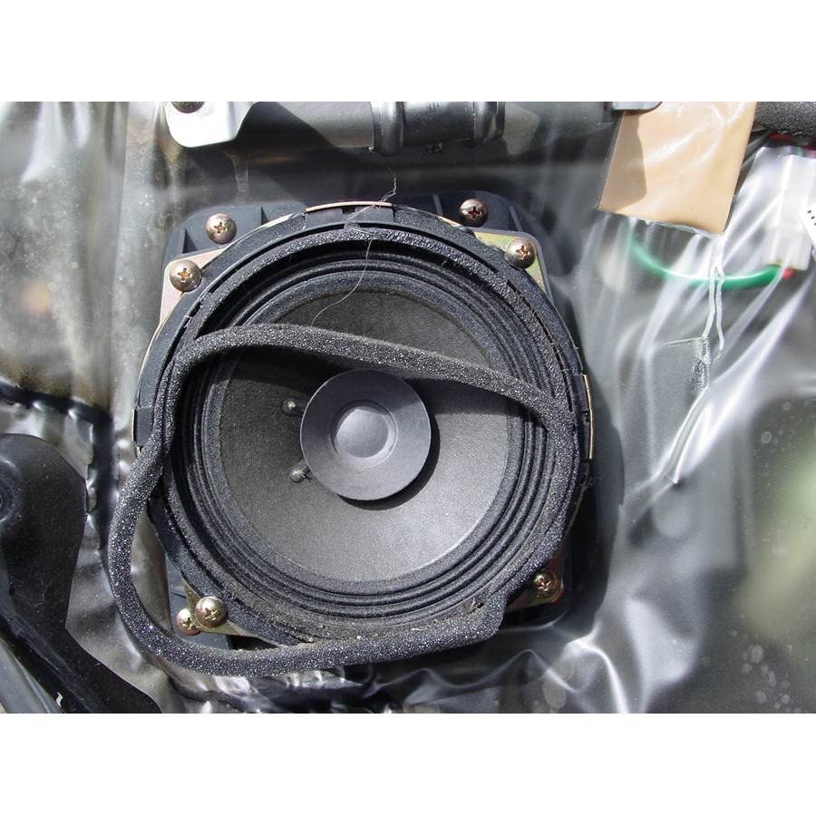 2001 Mitsubishi Montero Sport Rear door speaker