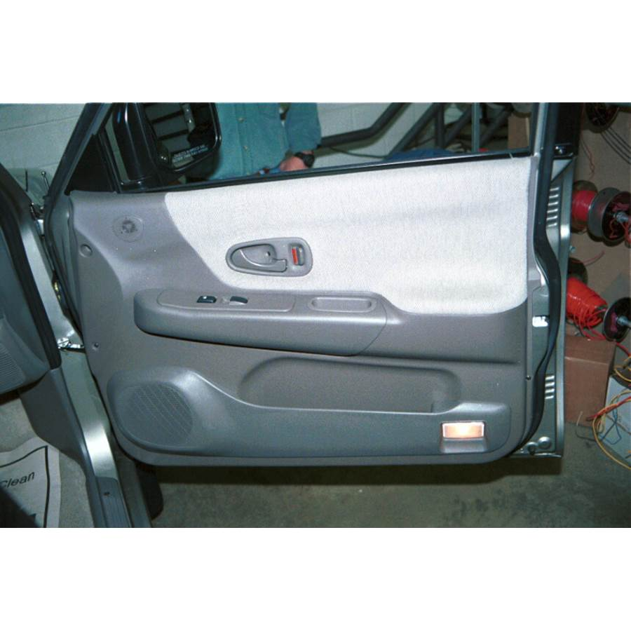 1999 Mitsubishi Montero Sport Front door speaker location