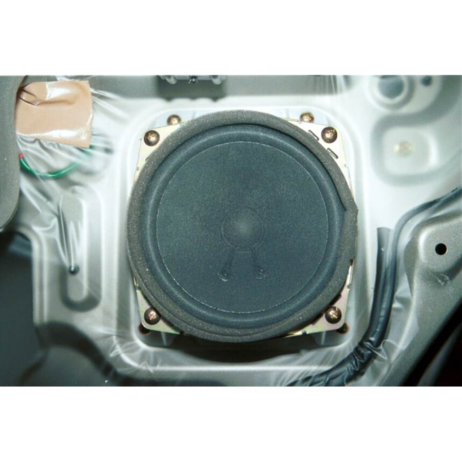 1999 Mitsubishi Montero Sport Rear door speaker