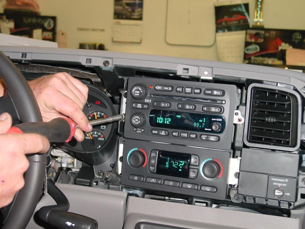 radiocavity 2003 2007 chevrolet silverado 1500 extended cab car stereo profile  at webbmarketing.co