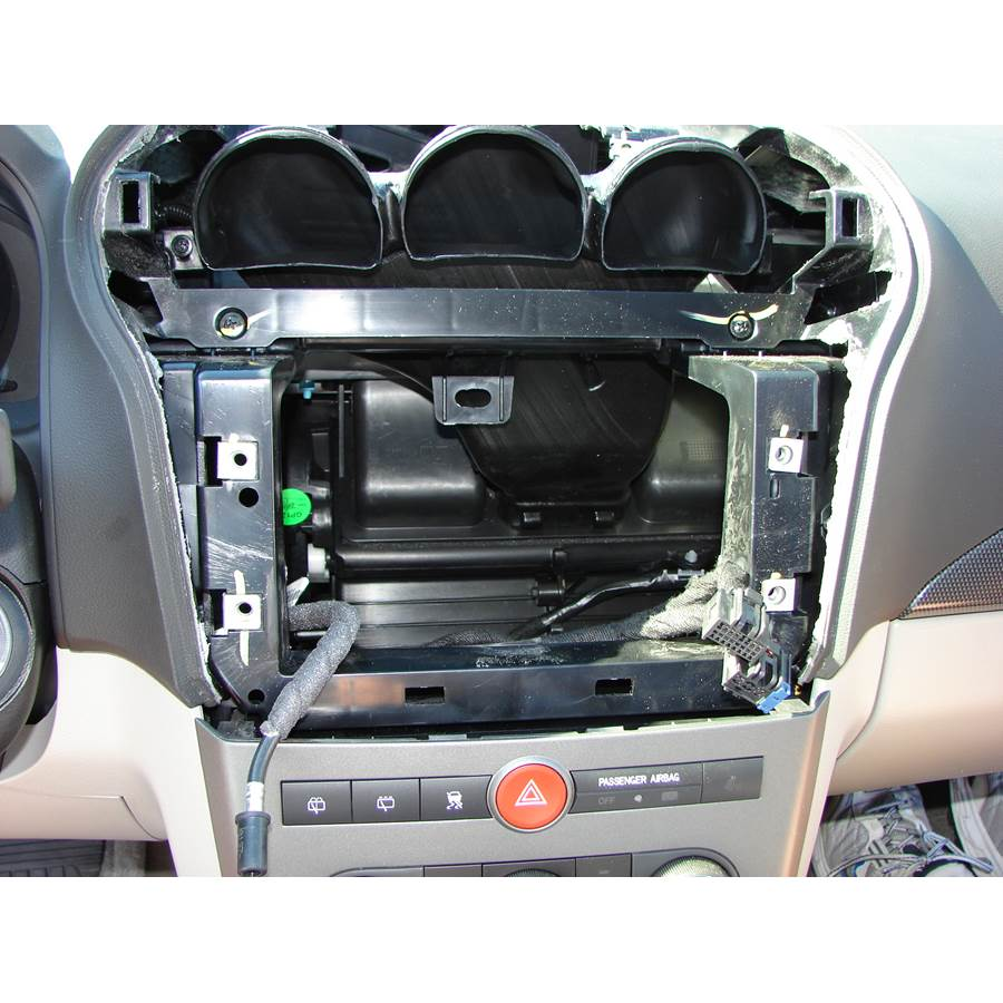 2008 Saturn VUE Factory radio removed