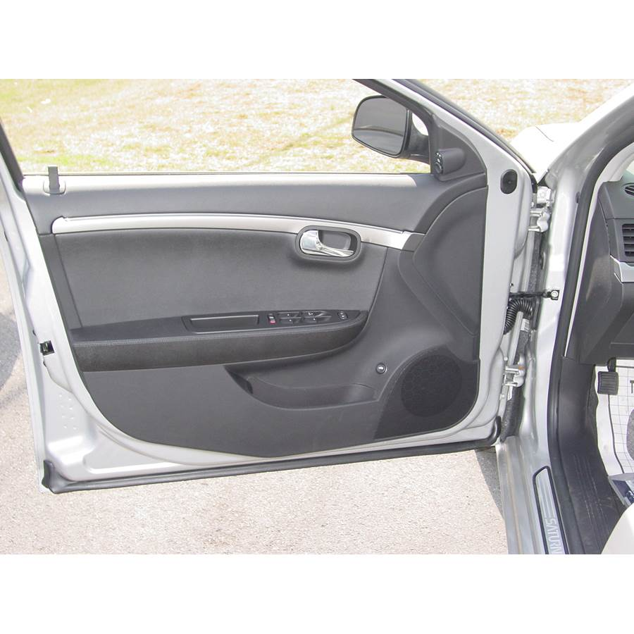 2009 Saturn Aura Front door speaker location