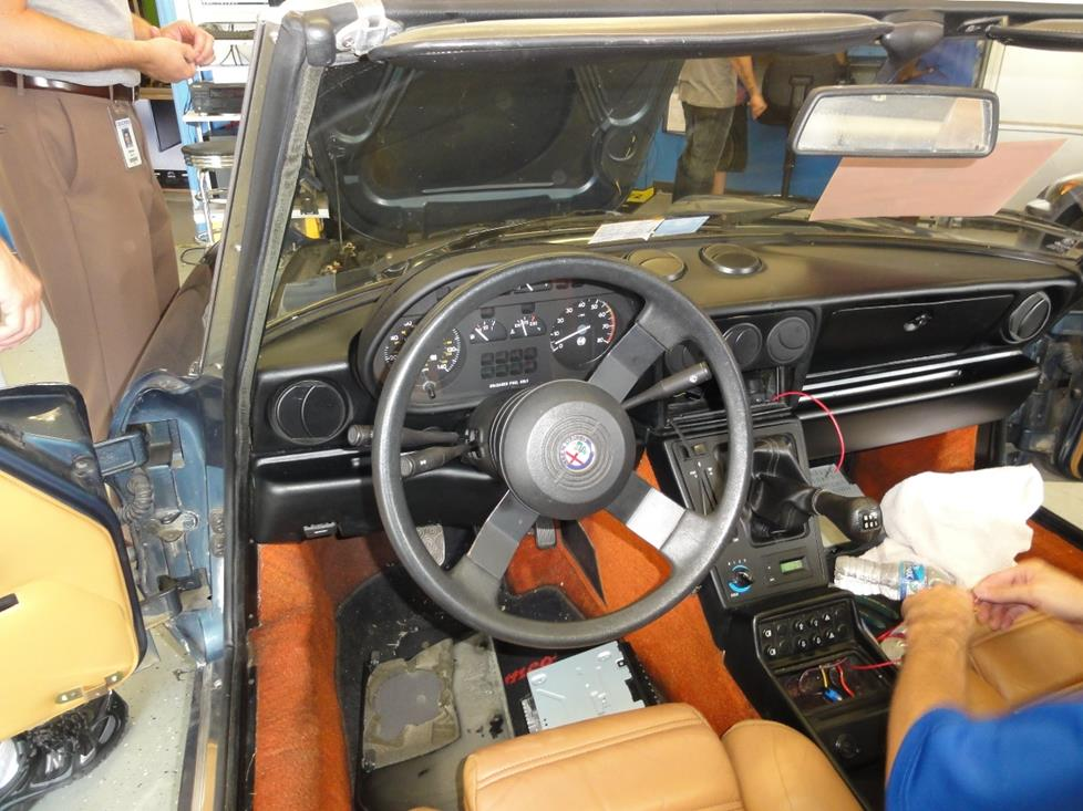 1987-1994 Alfa Romeo Spider Car Audio Profile on