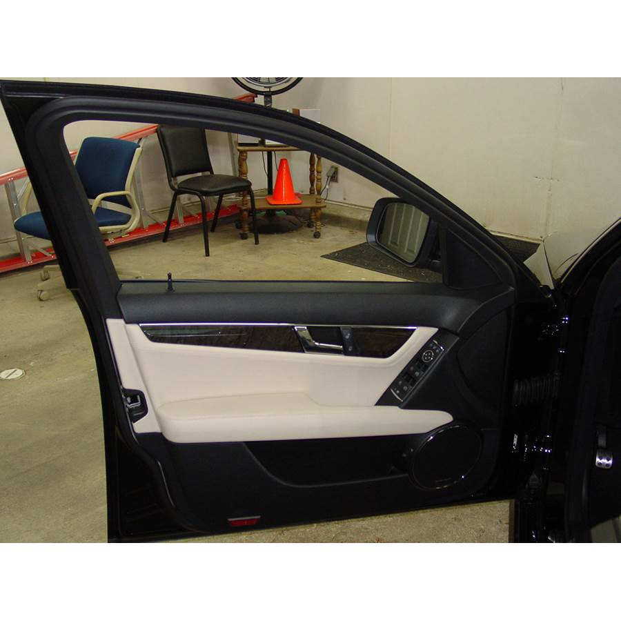 2010 Mercedes-Benz C-Class Front door speaker location