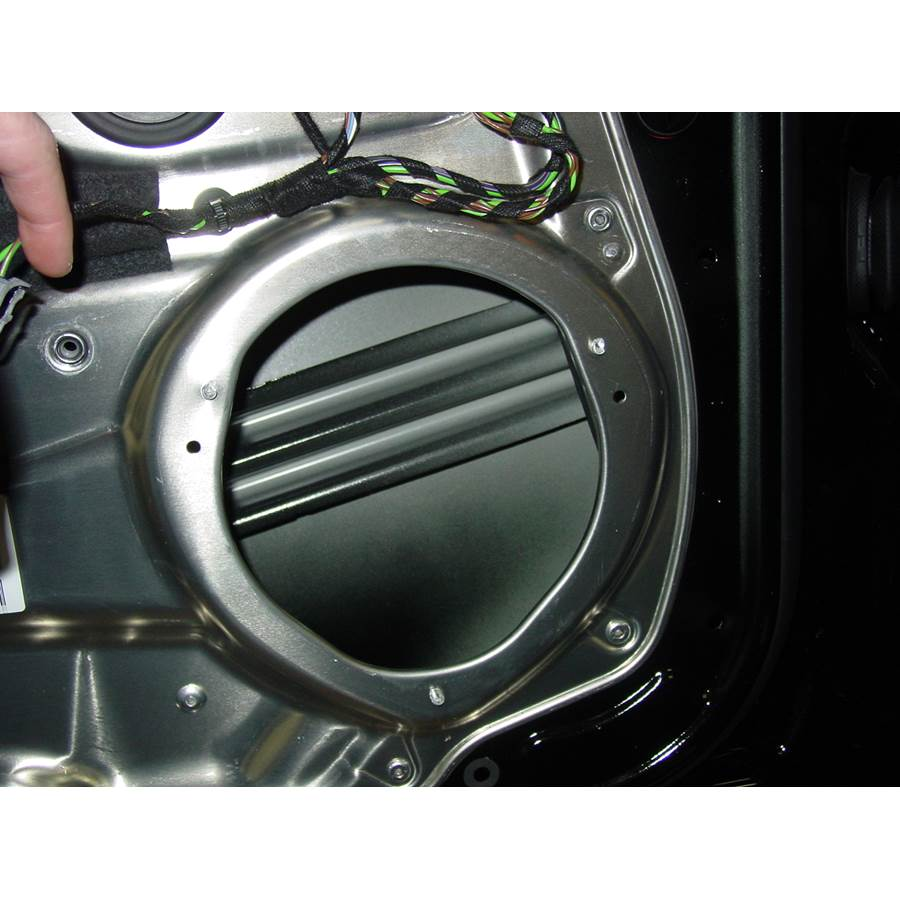 2008 Mercedes-Benz C-Class Front door woofer removed