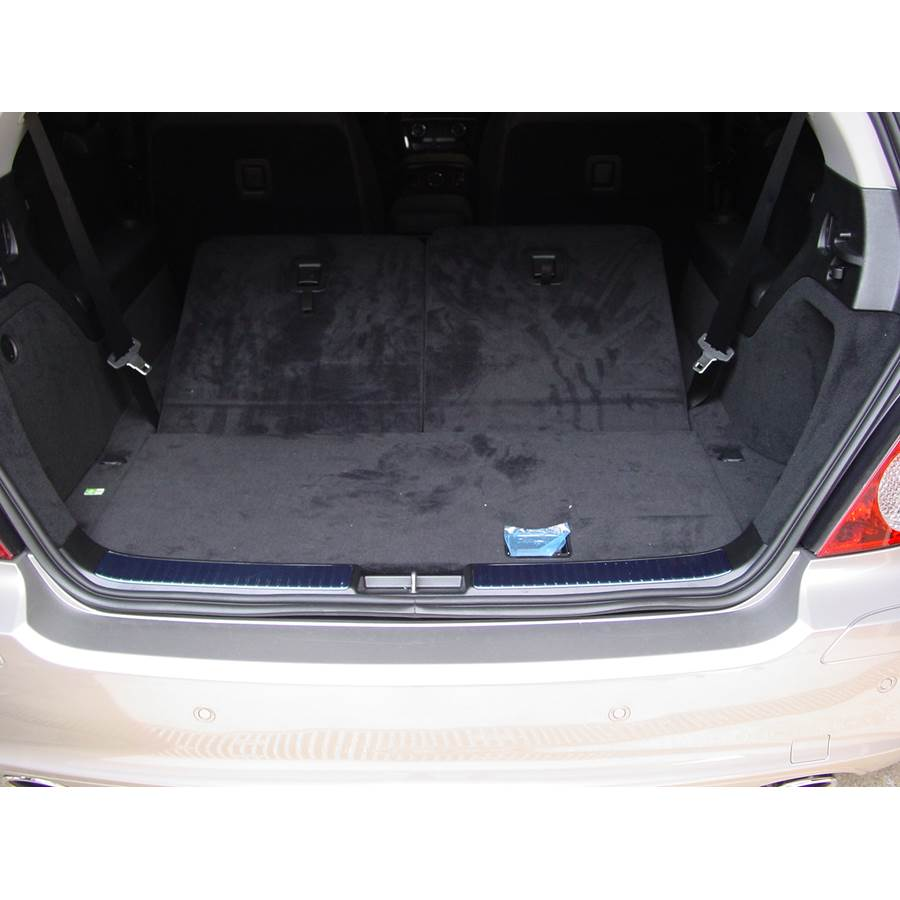 2007 Mercedes-Benz R-Class Under cargo floor speaker location