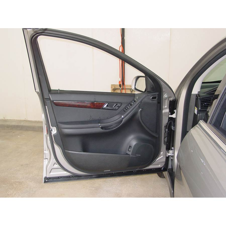 2007 Mercedes-Benz R-Class Front door speaker location