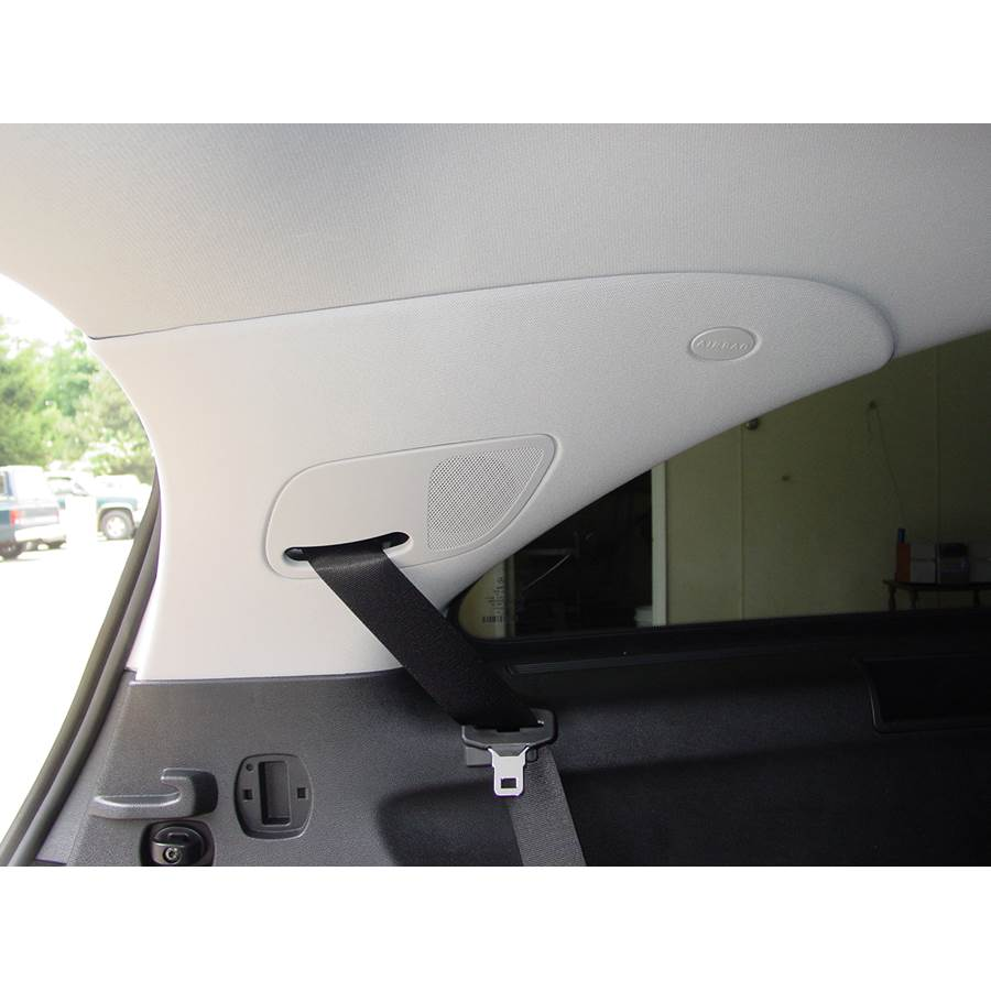 2007 Mercedes-Benz R-Class Rear pillar speaker location