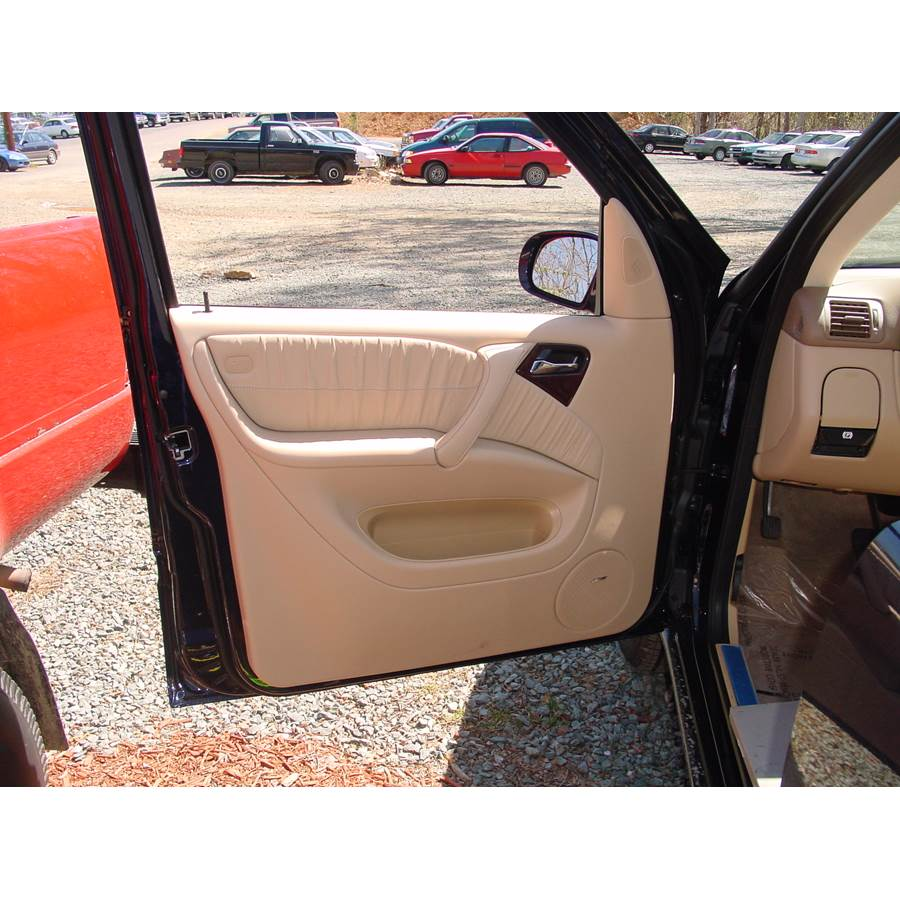 2003 Mercedes-Benz ML55 Front door speaker location