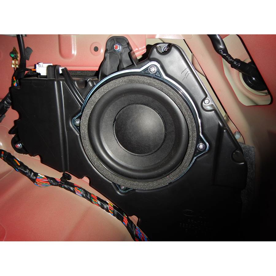 2015 Kia Sportage Far-rear side speaker