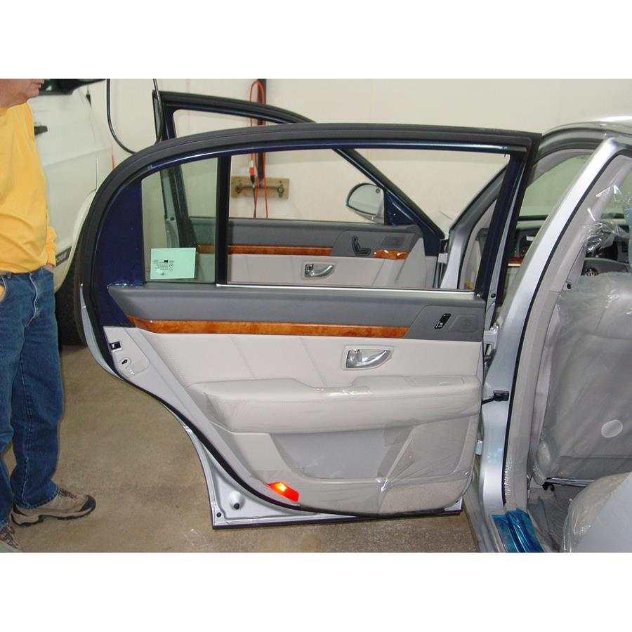 2004 Kia Amanti Rear door speaker location