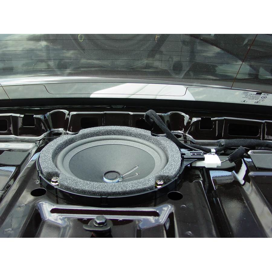 2004 Kia Amanti Rear deck center speaker