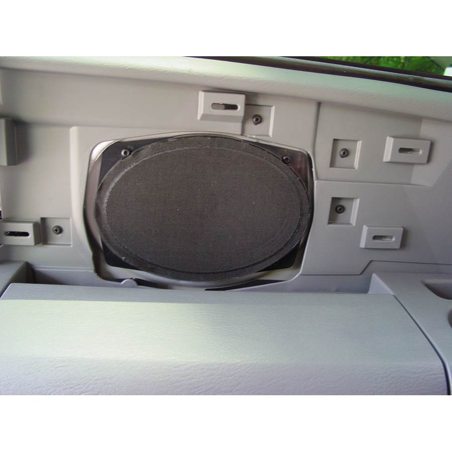 2006 Chrysler Town and Country Far-rear side speaker