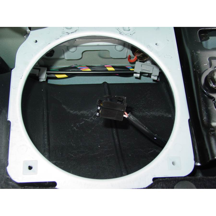 2008 Kia Spectra5 Side panel speaker removed