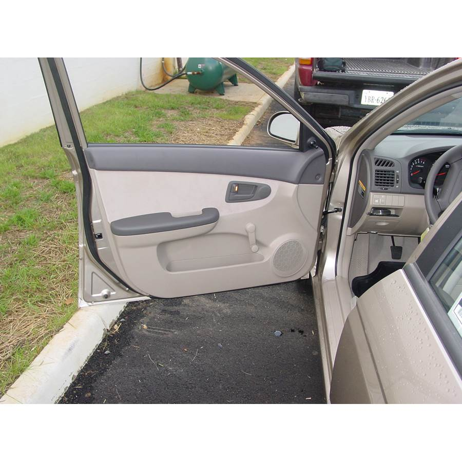 2008 Kia Spectra5 Front door speaker location