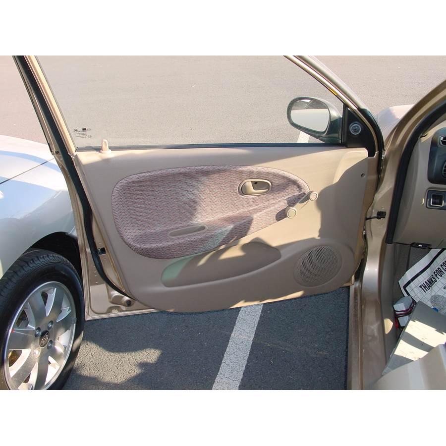 2002 Kia Rio Cinco Front door speaker location