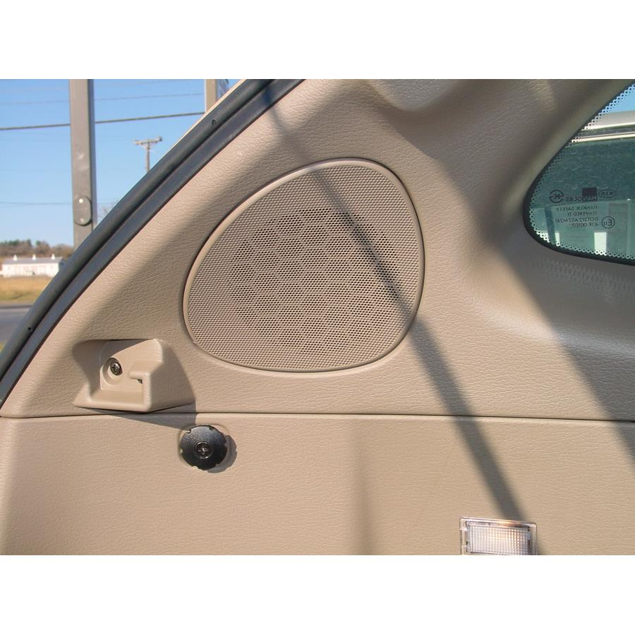 2002 Kia Rio Cinco Rear pillar speaker location