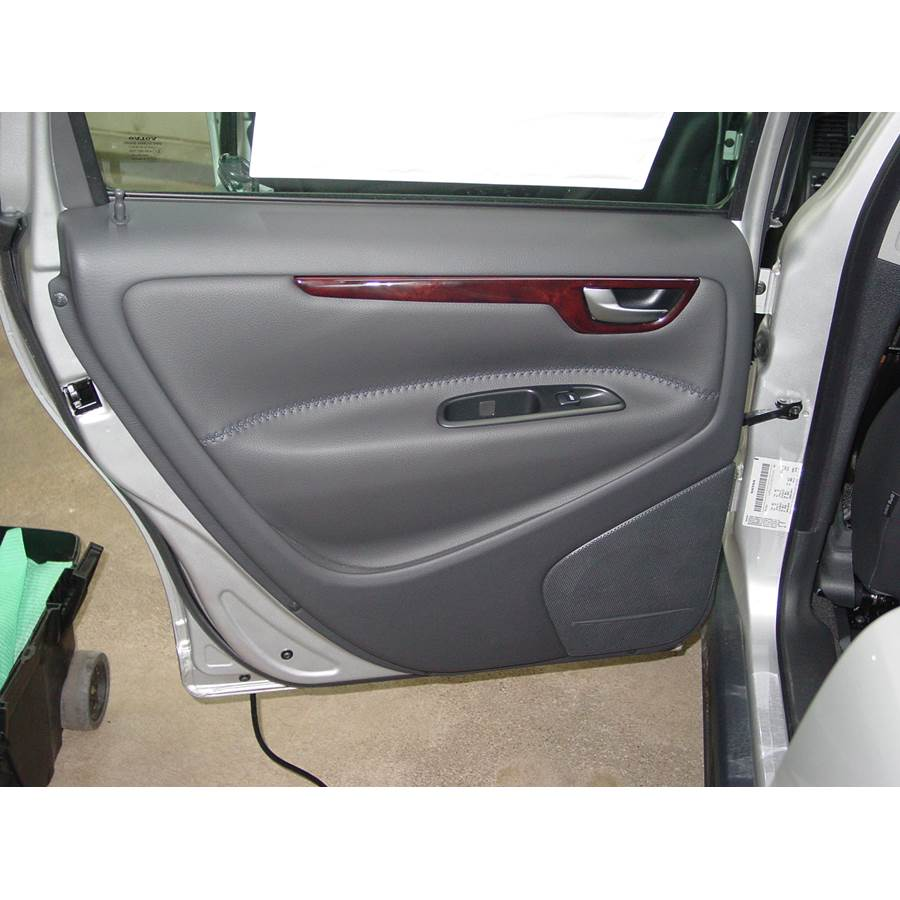 2006 Volvo XC70 Rear door speaker location