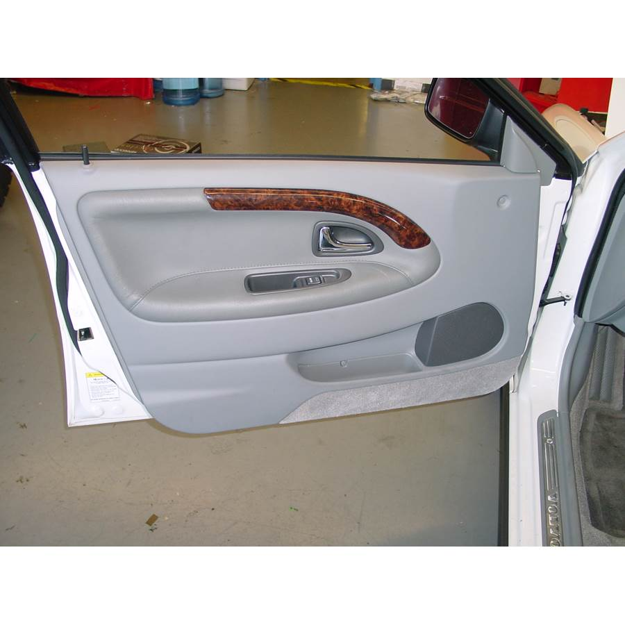 2002 Volvo S40 Front door speaker location