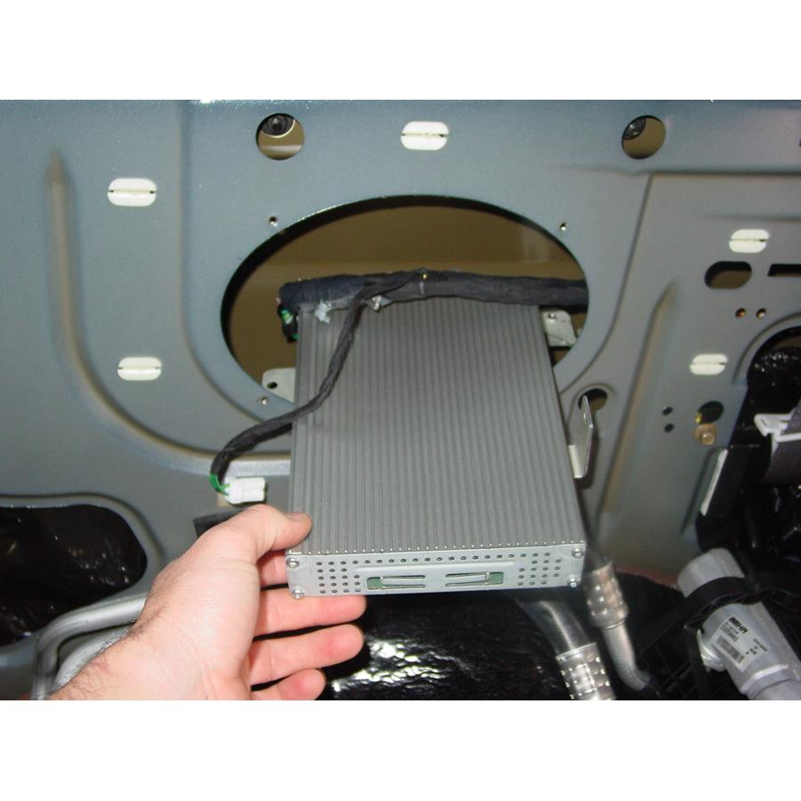 2003 Chrysler Voyager Factory amplifier location