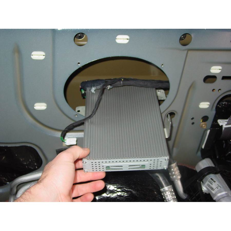 2007 Chrysler Town and Country Factory amplifier location
