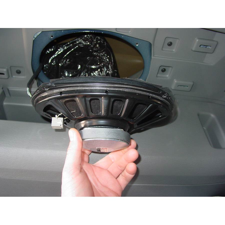 2007 Chrysler Town and Country Far-rear side speaker removed