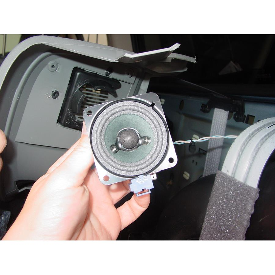 2003 Chrysler Voyager Rear side panel speaker removed