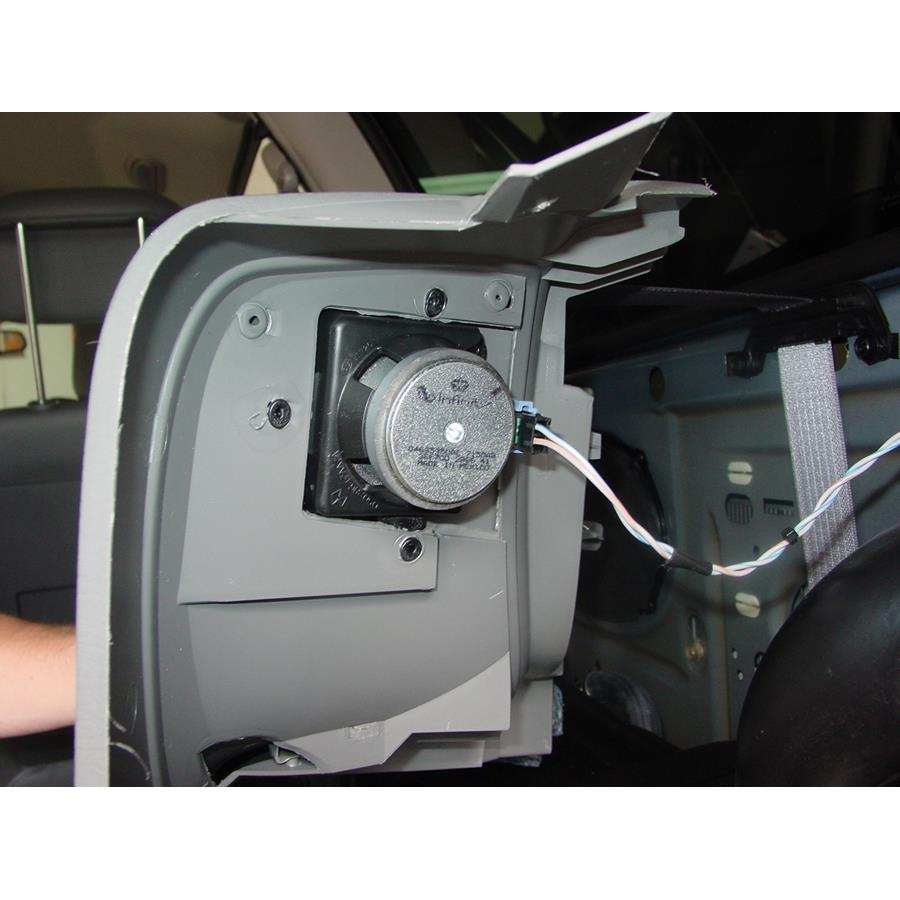 2003 Chrysler Voyager Rear side panel speaker