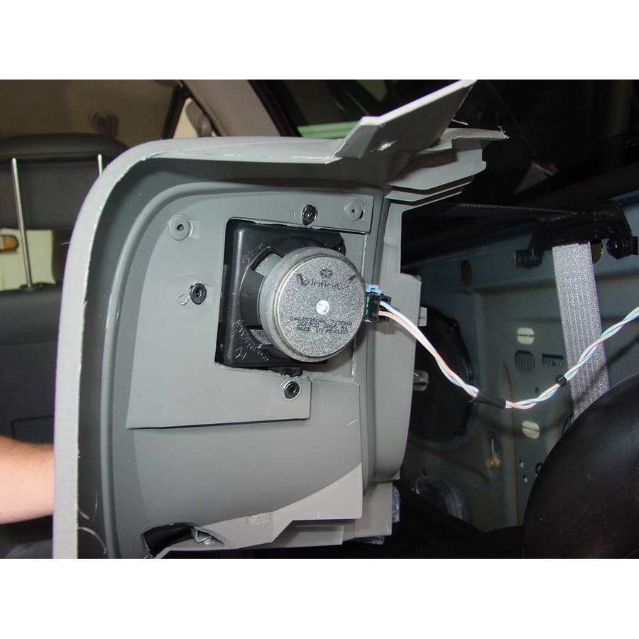 2007 Chrysler Town and Country Rear side panel speaker