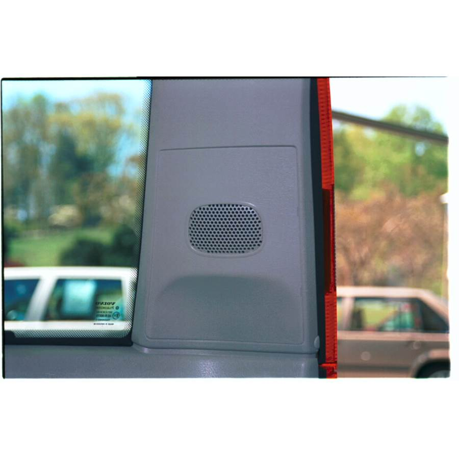 1999 Volvo V70 T5 Rear pillar speaker location