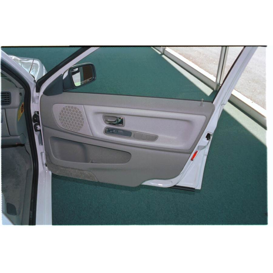 1999 Volvo V70 T5 Front door speaker location