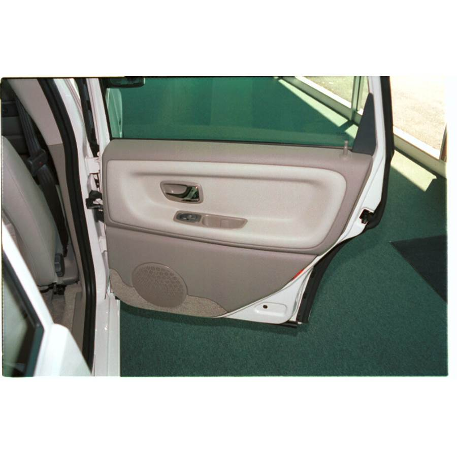 1999 Volvo V70 T5 Rear door speaker location