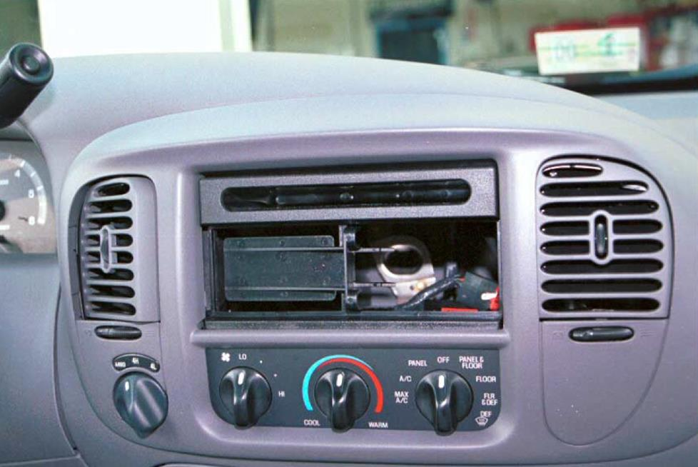 Ford F 150 Radio Kit