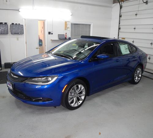 2016 Chrysler 200 Exterior