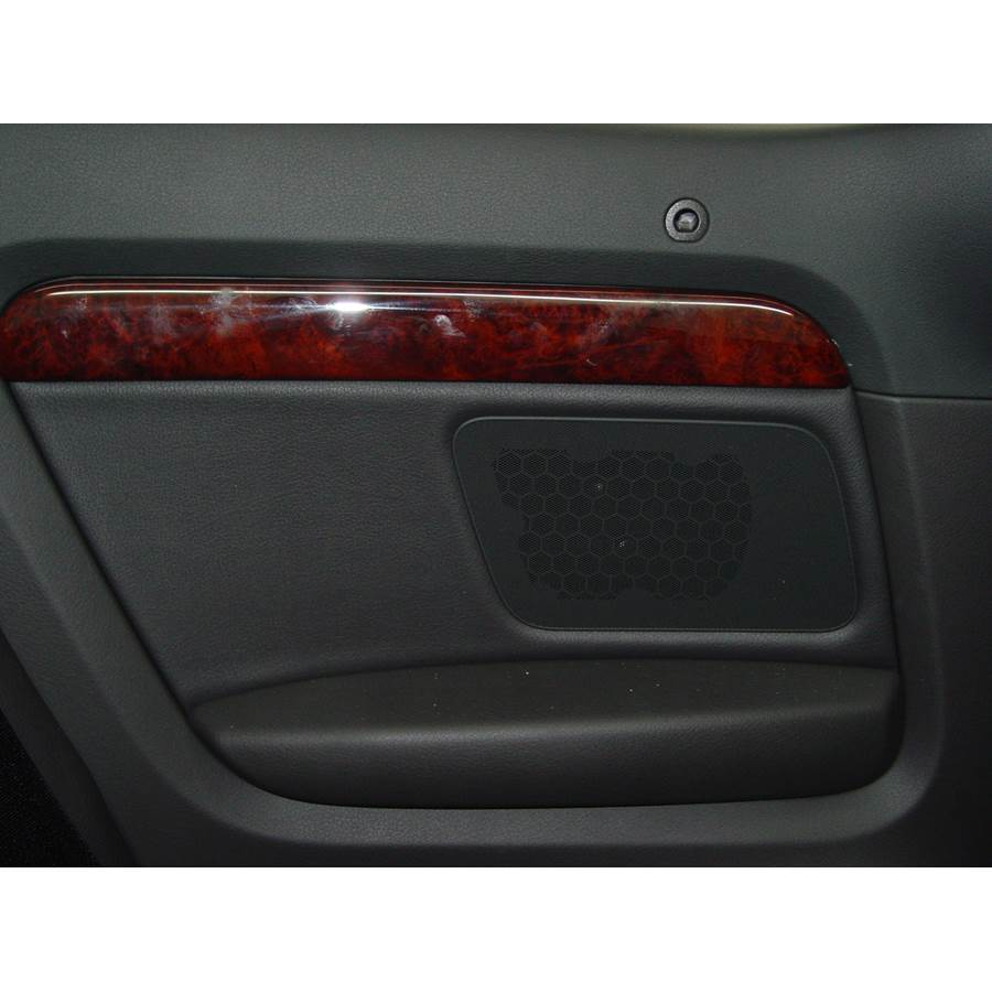 2008 Audi S4 Rear side panel speaker location
