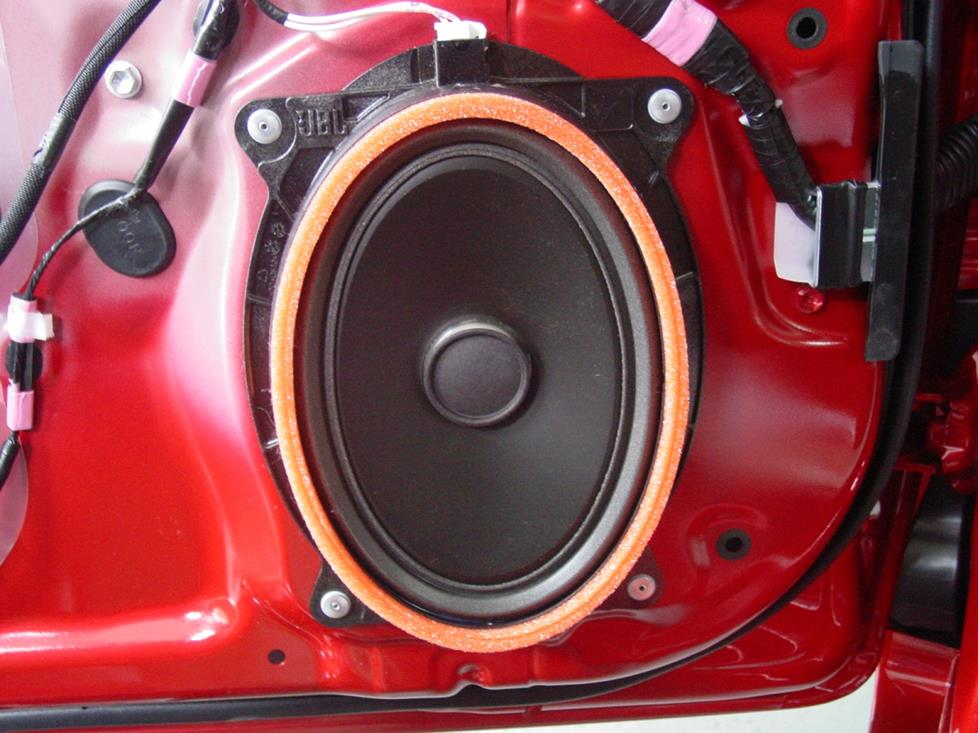 20102015 Toyota Prius Car Audio Profilerhcrutchfield: Toyota Prius Factory Subwoofer Location At Gmaili.net