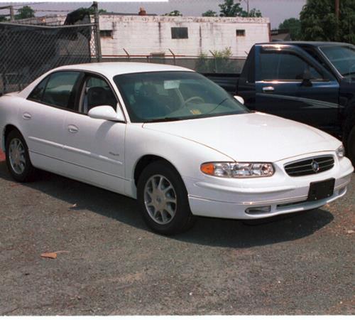 https://images.crutchfieldonline.com/ImageBank/v20151117165300/ImageHandler/centerandcrop/500/450/VehiclePix/2000/Buick/Regal/Sedan/exterior.jpg