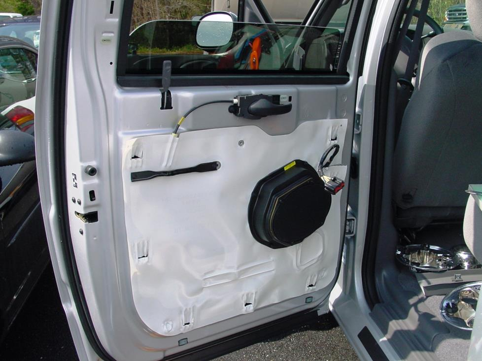 ford f-150 supercrew rear door speaker