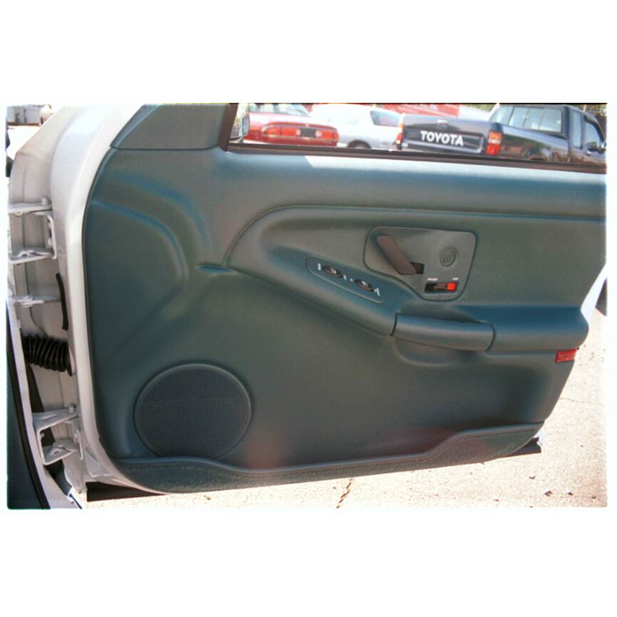 1997 Buick Skylark Front door speaker location