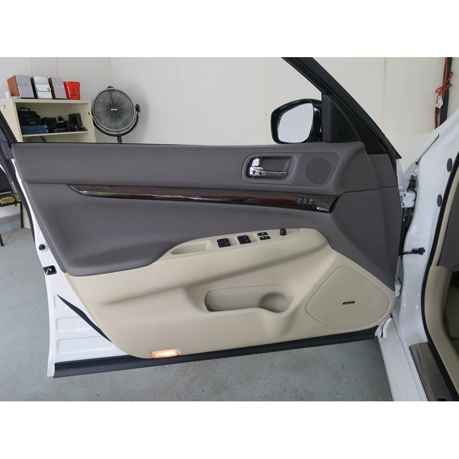 2010 Infiniti G37 Front door speaker location
