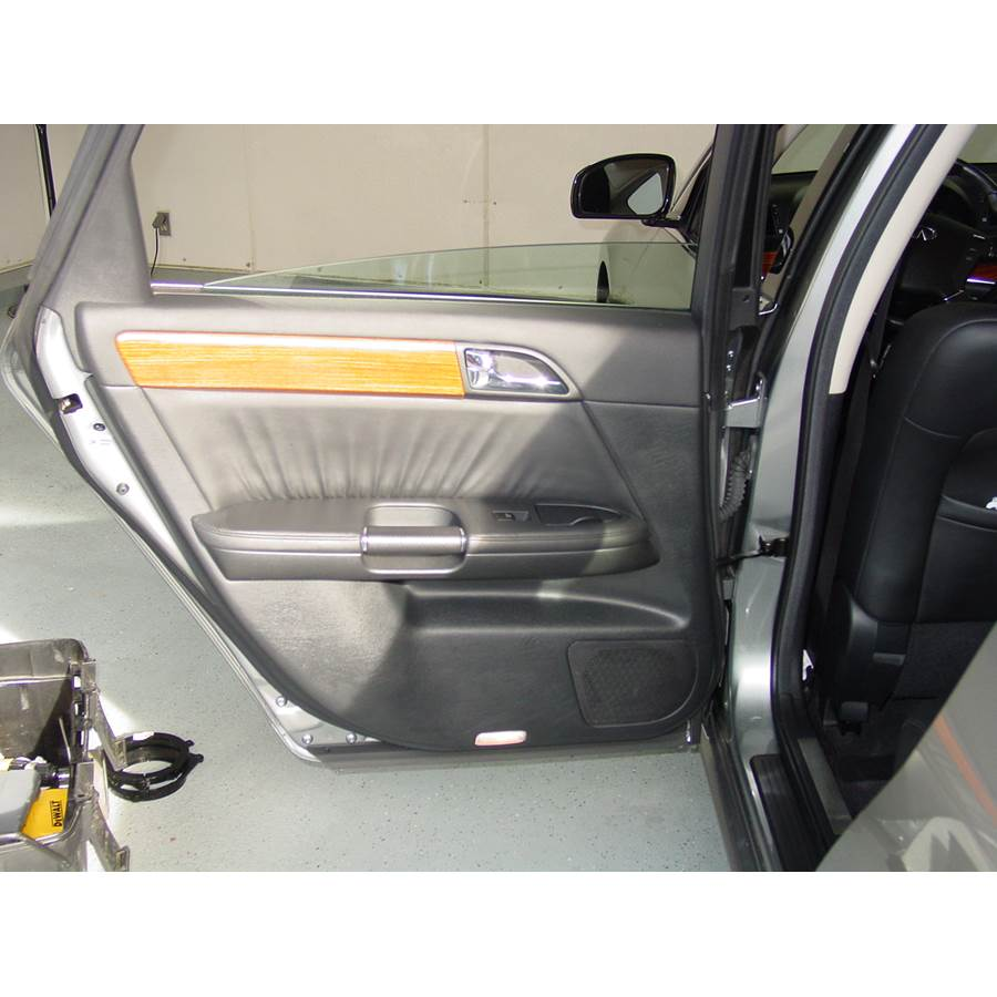 2006 Infiniti M45 Rear door speaker location