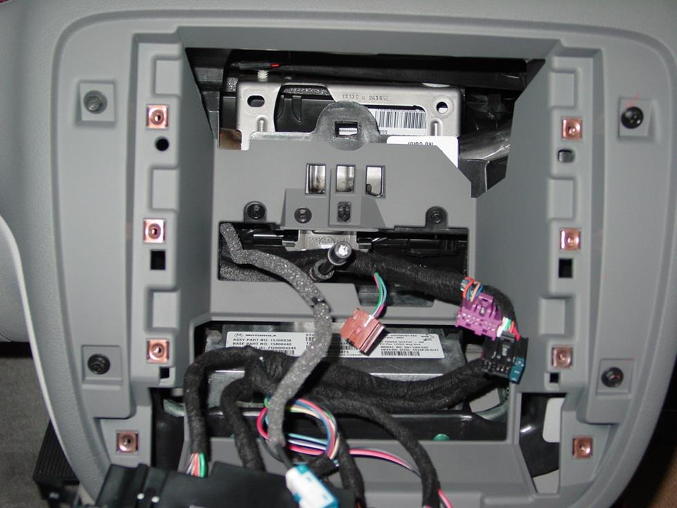 radiocavity how to install new audio gear in your 2007 2013 chevy avalanche wiring harness for 2007 chevy avalanche at gsmx.co