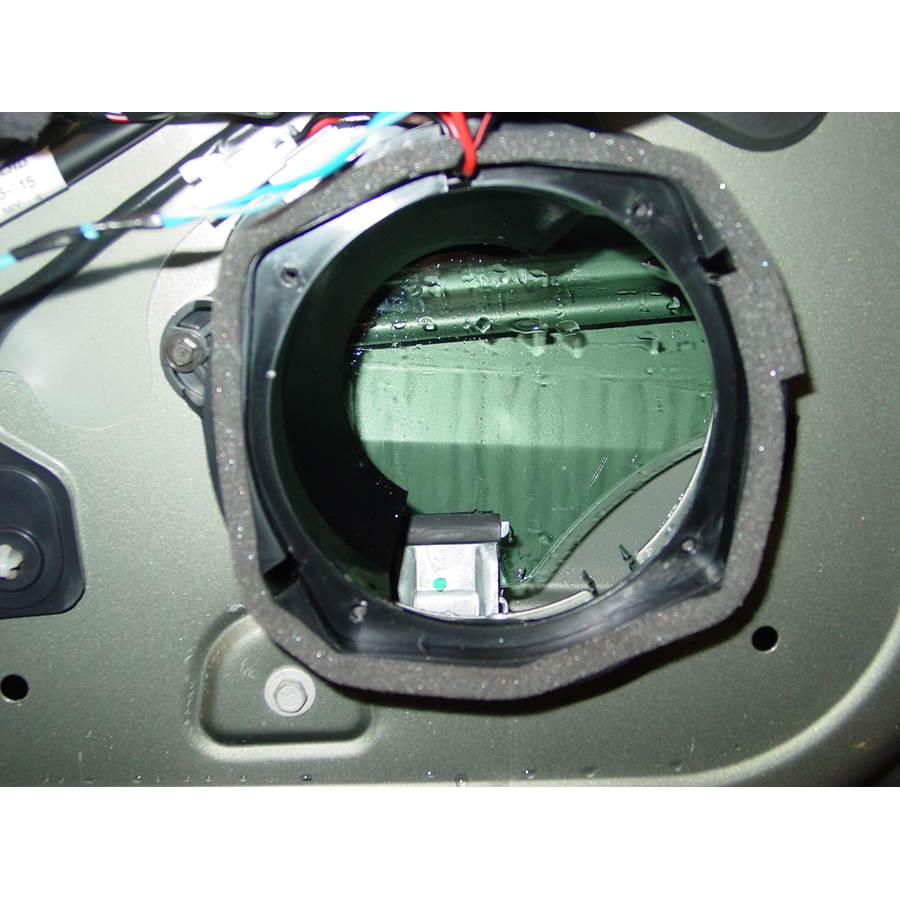 2005 Cadillac SRX Front speaker removed