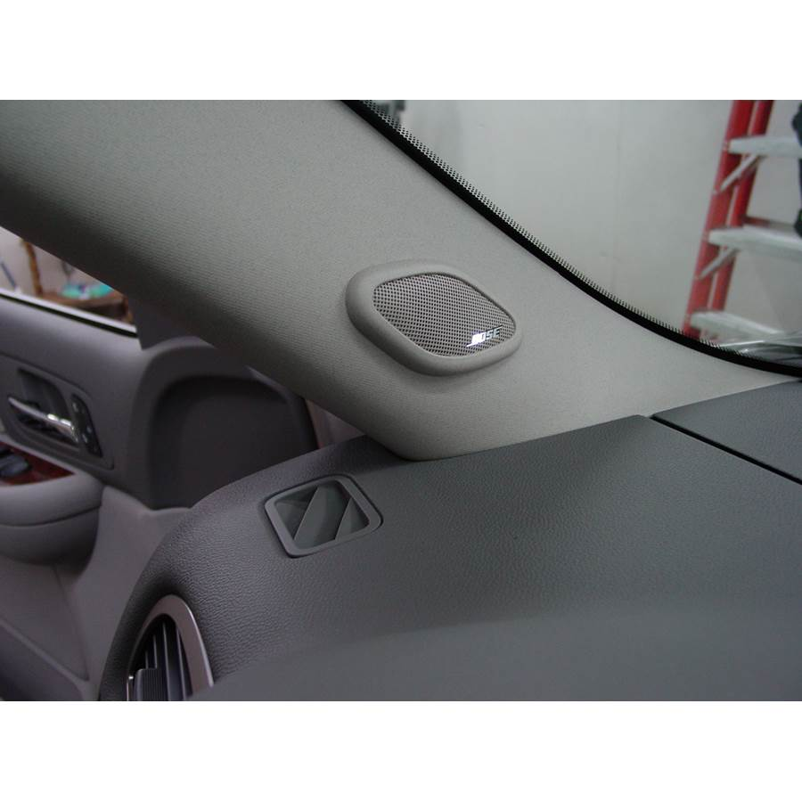 2007 Cadillac Escalade ESV Front pillar speaker location