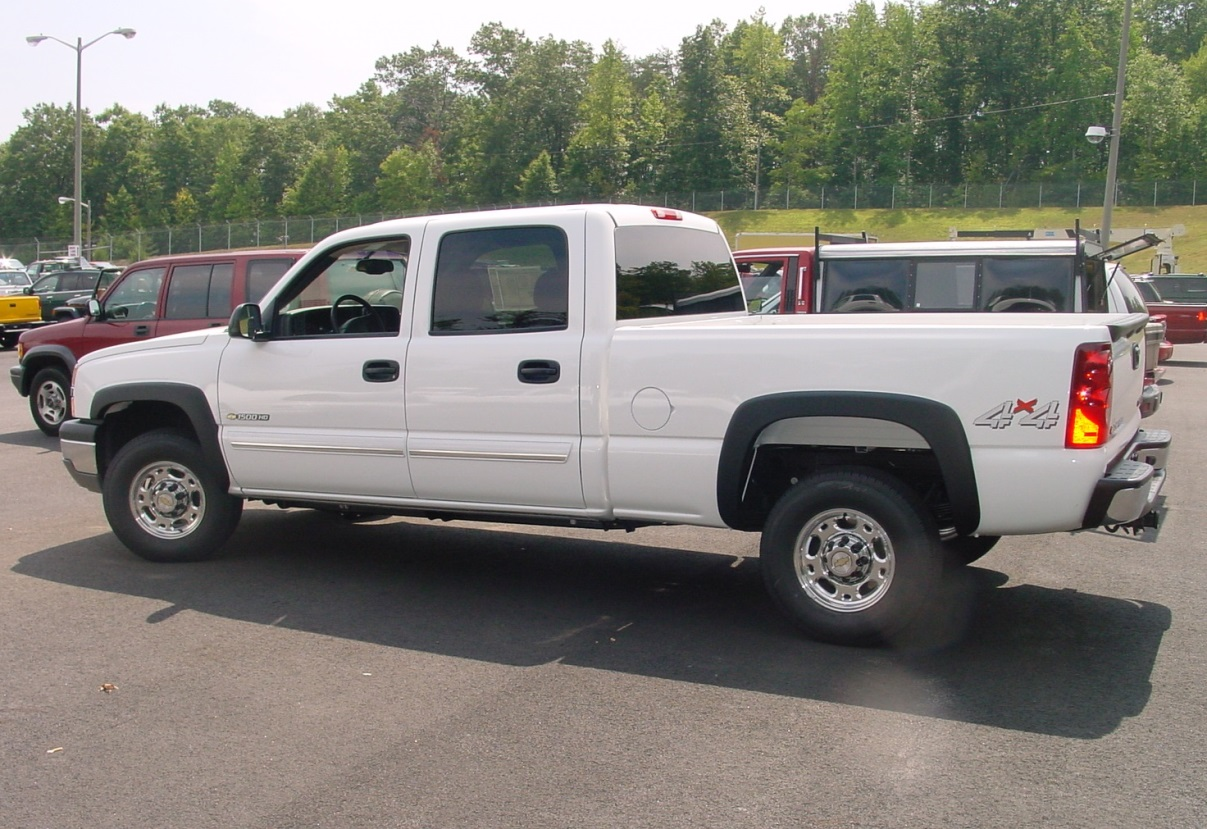 20032007 Chevy Silverado and GMC Sierra Crew Cab Car