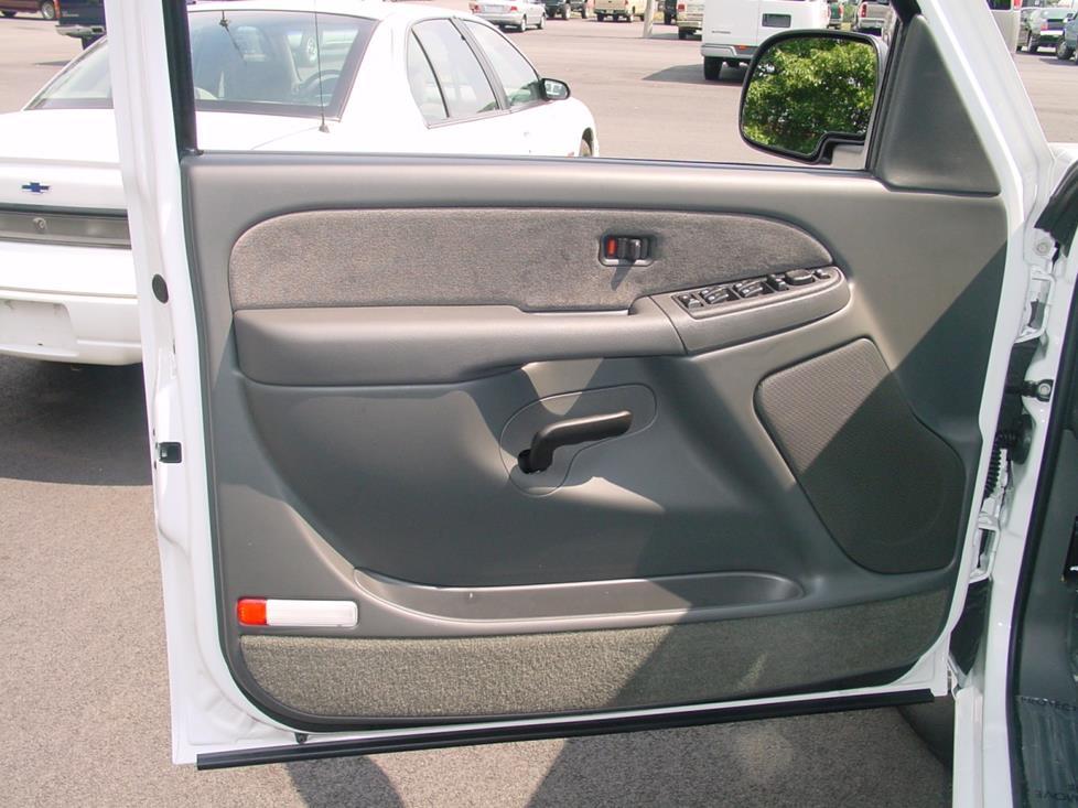 2003 2007 chevy silverado and gmc sierra crew cab car for 04 silverado door speakers