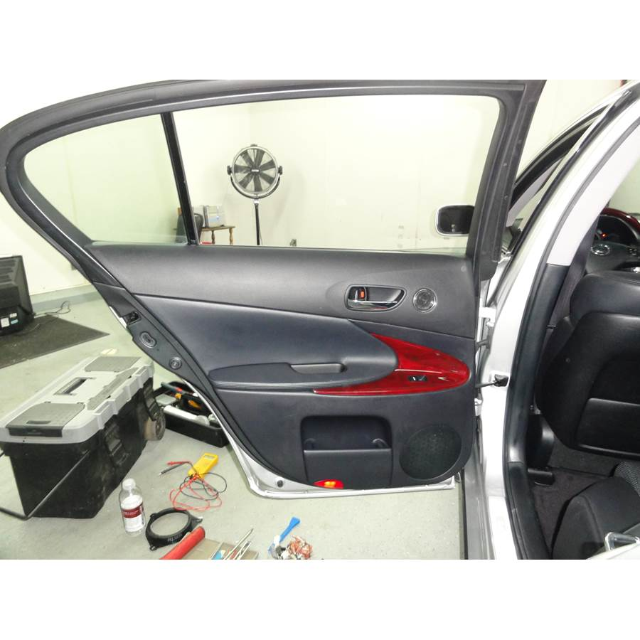 2010 Lexus GS450H Rear door speaker location