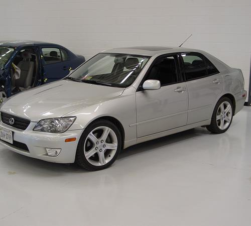 2002 Lexus IS300 Exterior